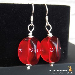 Boucles d'oreilles dés 3 rouge : cadeau JDR pour rôliste