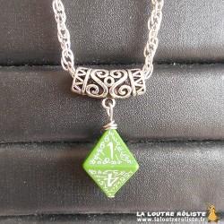 Collier dé 8 Elfique vert - bijou rôliste pour fan de JDR