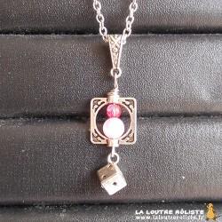 Collier MICRO dé 6 métal et perles rose - bijou rôliste pour fan de JDR
