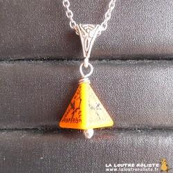 Collier dé 4 Elfique orange - le cadeau parfait pour passionnés de Jeux de rôle