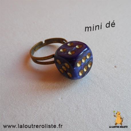 Bague bronze mini dé 6 violet nacré - bijou rôliste pour fan de Jeux de Rôle