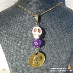 Collier Crâne mini dé 20 violet